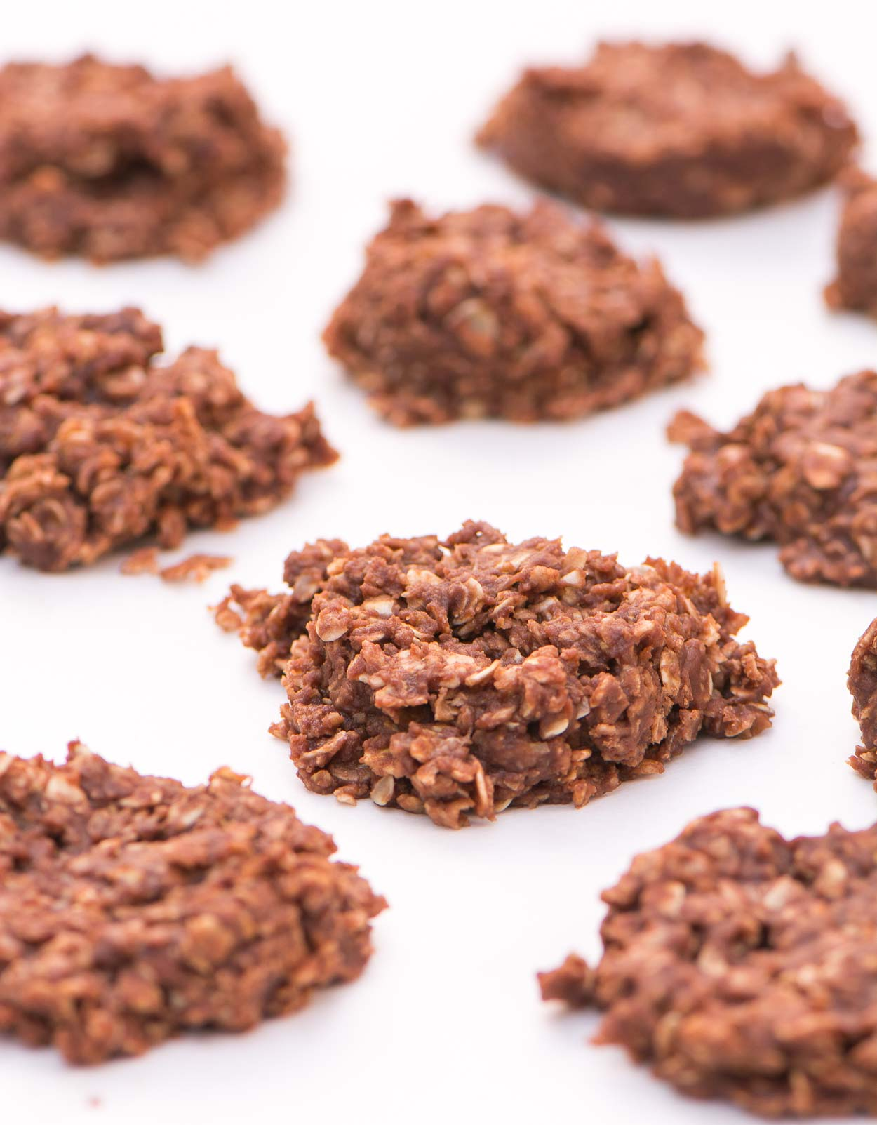 No-Bake Chocolate Oat Cookies - a quick and delicious, no-bake chocolate dessert with oats, cocoa, vanilla and peanut butter. You can't eat just one!